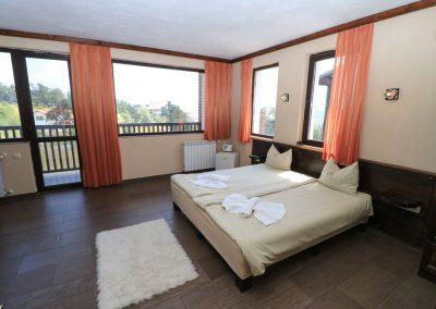 Room 2 (10)