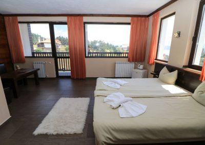 Room 2 (15)