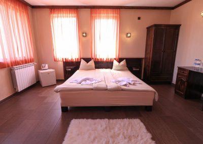Room 2 (4)