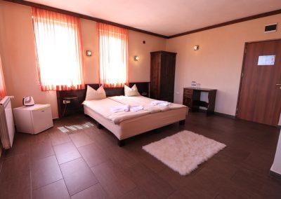 Room 2 (5)