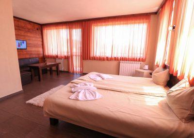 Room 2 (6)